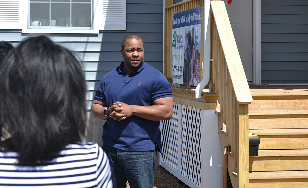 Pavalock Congratulates New Homeowners During Habitat for Humanity